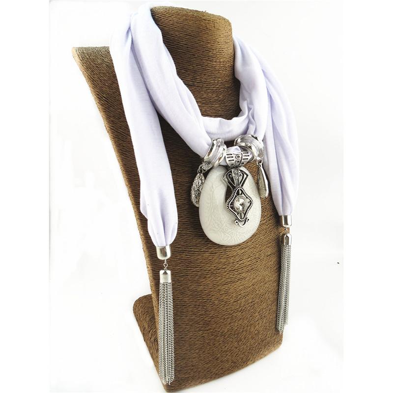 Collier foulard bijoux à la mode  | OkO-OkO
