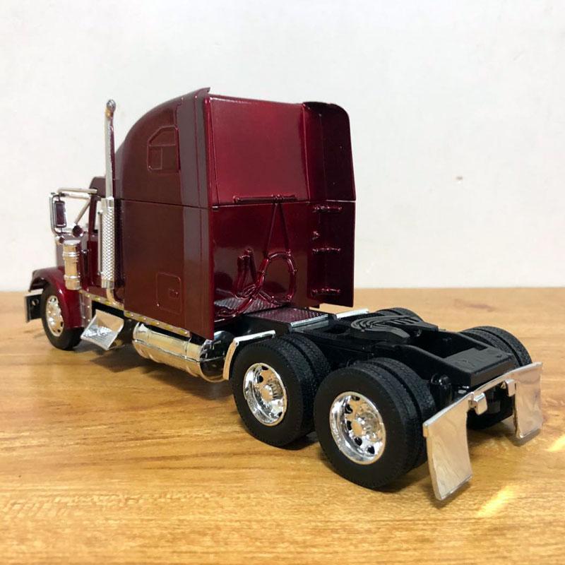 Freightliner Truck (4)