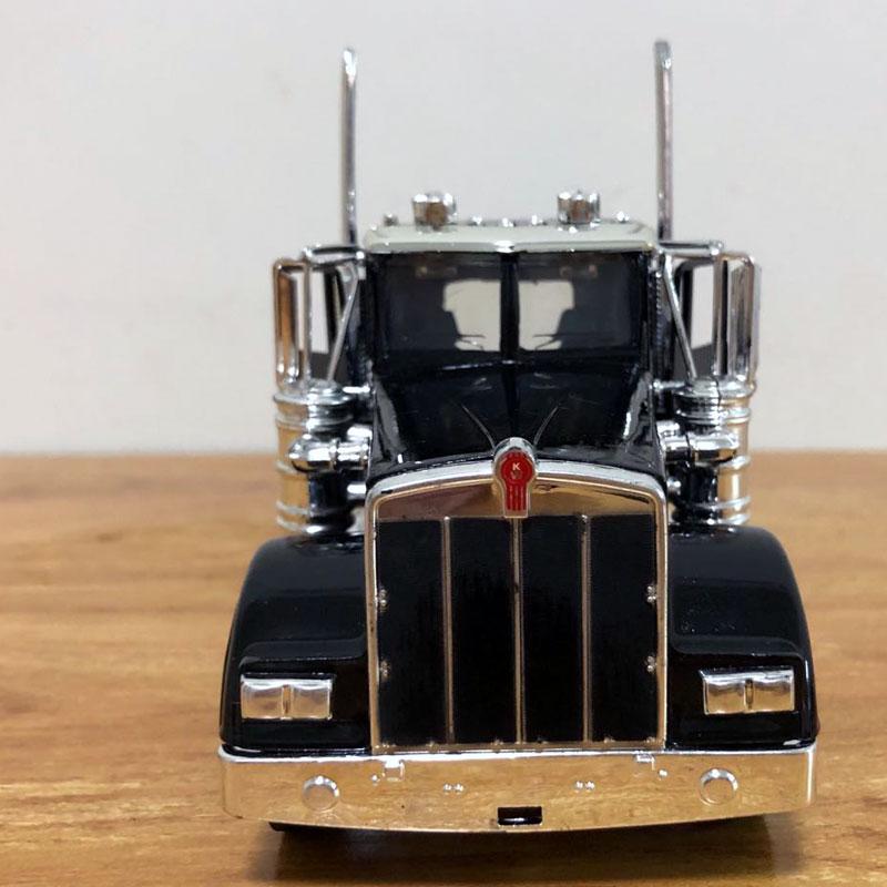 Peterbilt Truck (12)