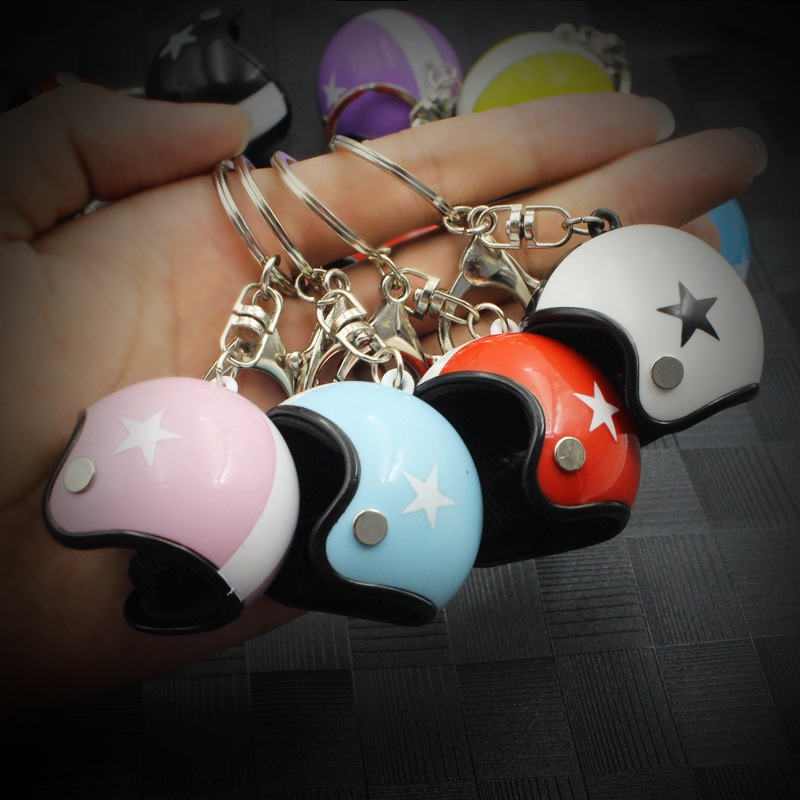 Motorcycle Safety Helmets Shaped Keychain Pendant Keyring Gifts Classic Key Ring Keyfob title=