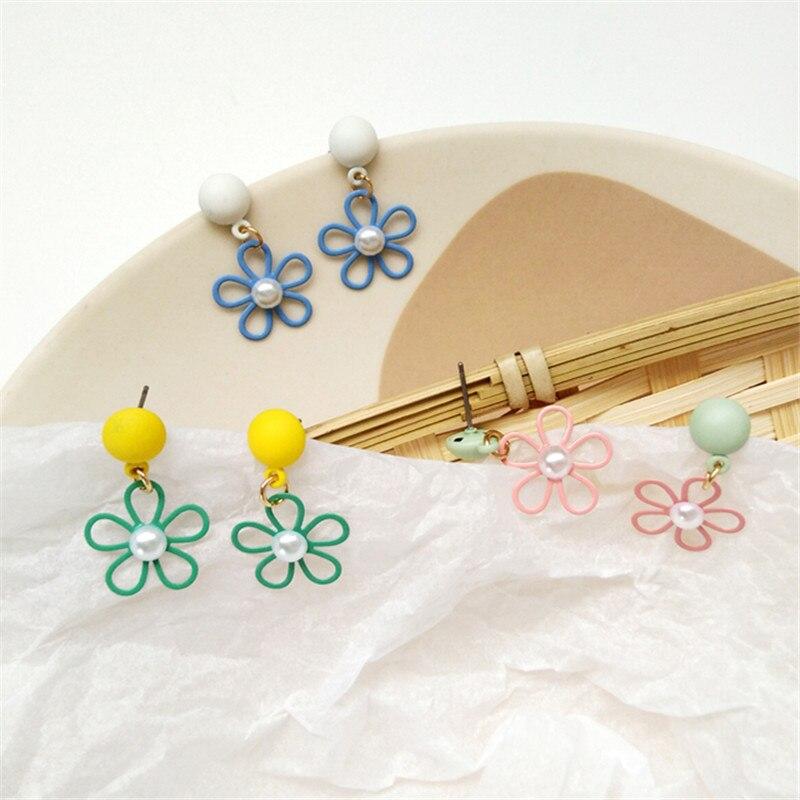 Cute Romantic flower shapes earring Female colorful creative street snap stud earrings Popular painting pearl earrings for women