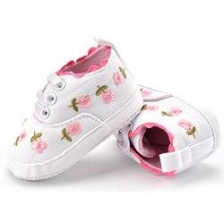 Модная детская обувь для новорожденных, с цветочным принтом, на мягкой подошве, противоскользящая, для детей 0-18 месяцев, 2020