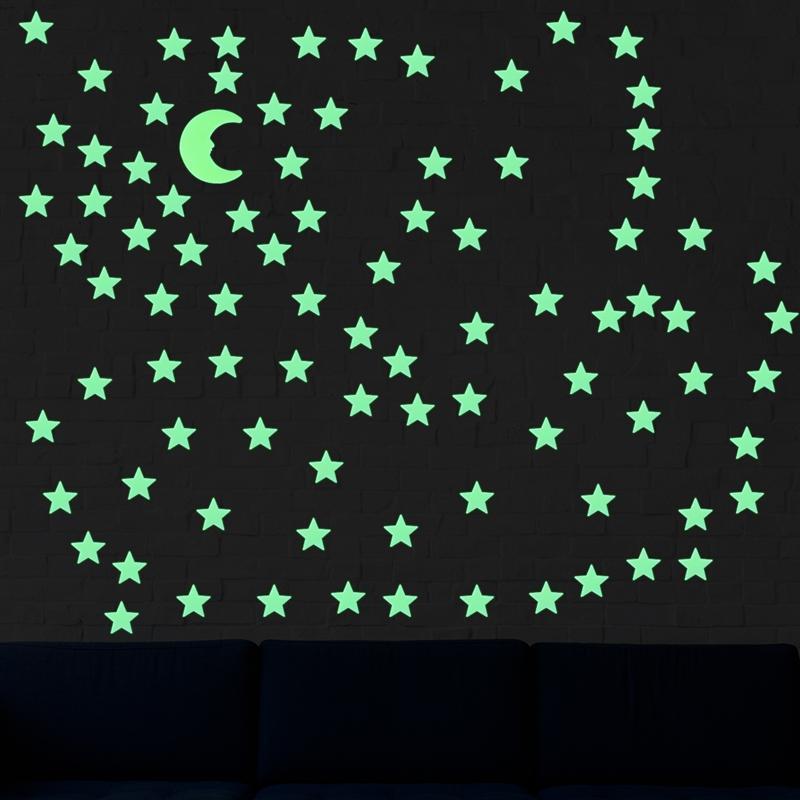50 Piezas OULII Pegatinas Luminoso de pared Copo de nieve Luminosas Adhesivos Pared Fluorescente Brilla Oscuridad Adhesivos de pared Navidad Blanco