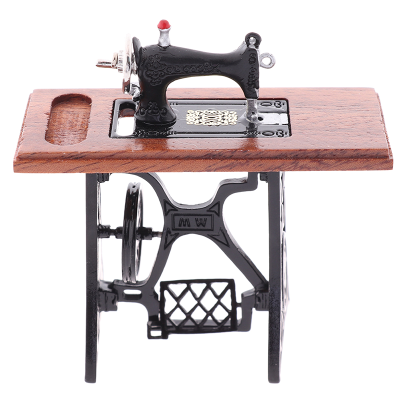 Dollhouse Decor Miniature Furniture Wooden Sewing Machine With Thread Scissors Accessories For Dolls House Toys For Girls