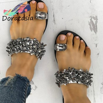 DORATASIA Classic Rhinestone Decorating Shoes Concise Low Heel Summer Slippers Women Hot Sale Ins Metallic Flip Flop