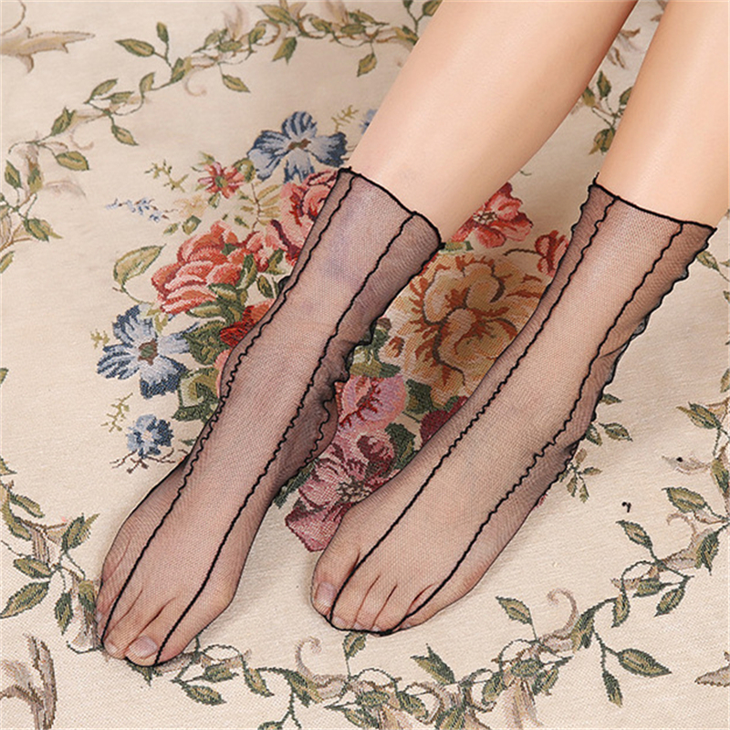 Spring and Summer Retro Lace Floral Mesh Women Socks Thin Middle Tube Transparent Sock Women Breathable Silk Ultrathin Sock New