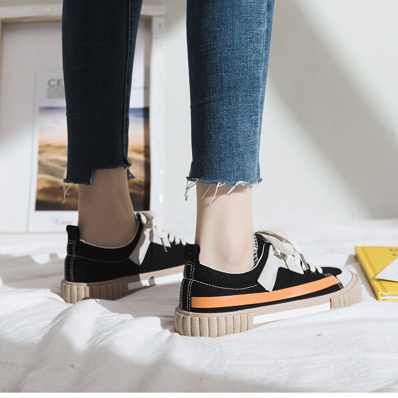Women Shoes 2020 New Spring Fashion Women Canvas Shoes Casual Flats Striped Casual Vulcanize Shoes Fashion Style Female Sneakers