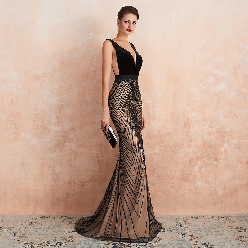 2020  Sexy Backless Women Evening Dress Black V Neckline  Floor Length Mermaid Lace Appliqued Formal Evening Part Dress