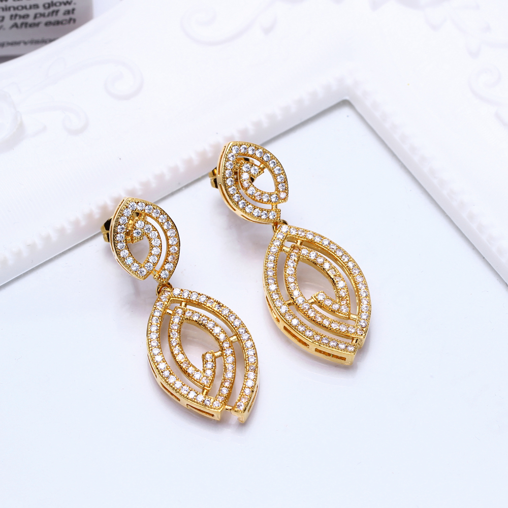 Earrings (4)