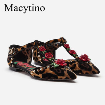 New Arrival Designer Flat T-strap Mary Janes Pointed Toe Rose Flower Embellished Leopard Printing Dress Shoes Women Flats
