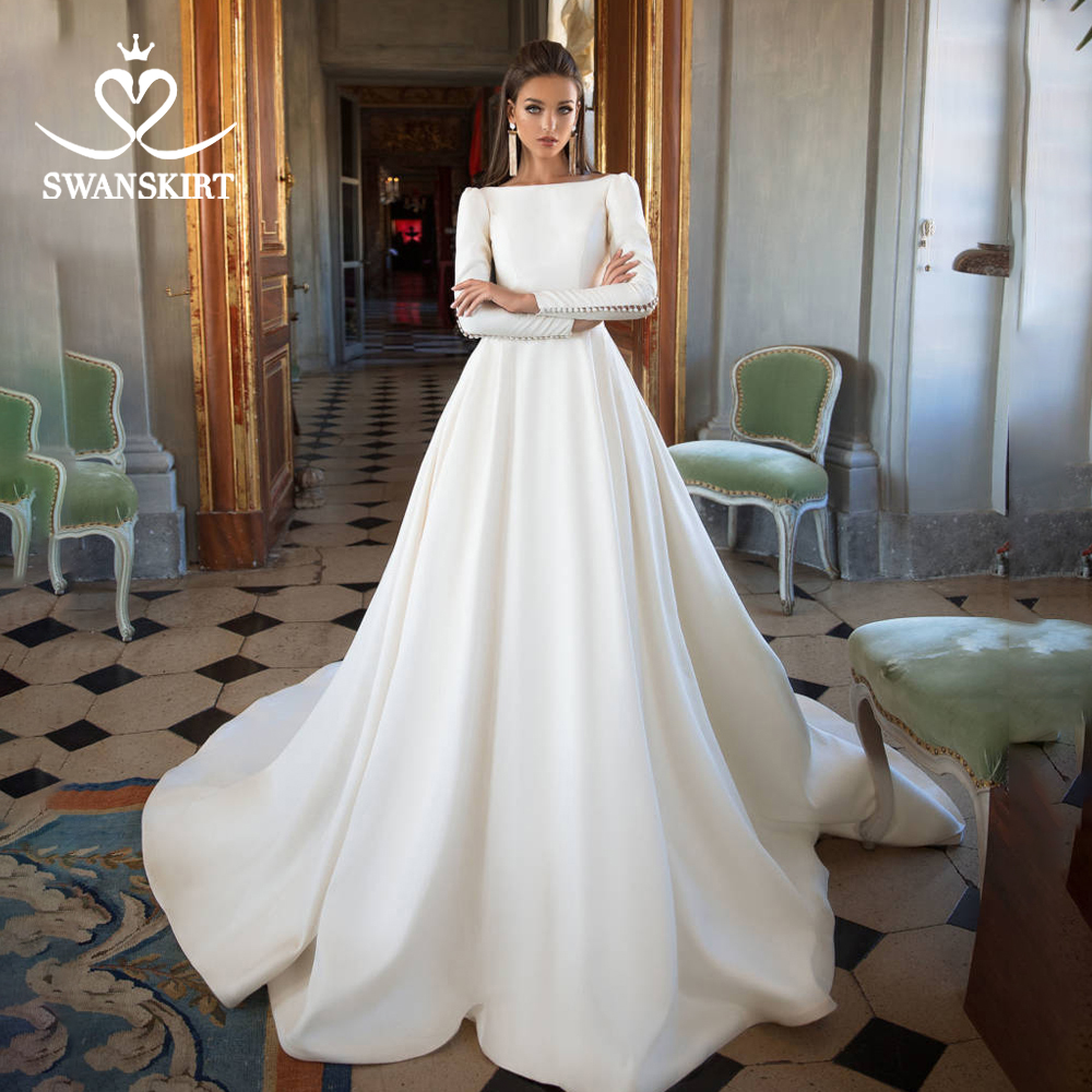 Long Sleeve Satin Wedding Dress Swanskirt Vintage Backless Princess A-Line Court Train Bride grown Button vestido de noiva I195
