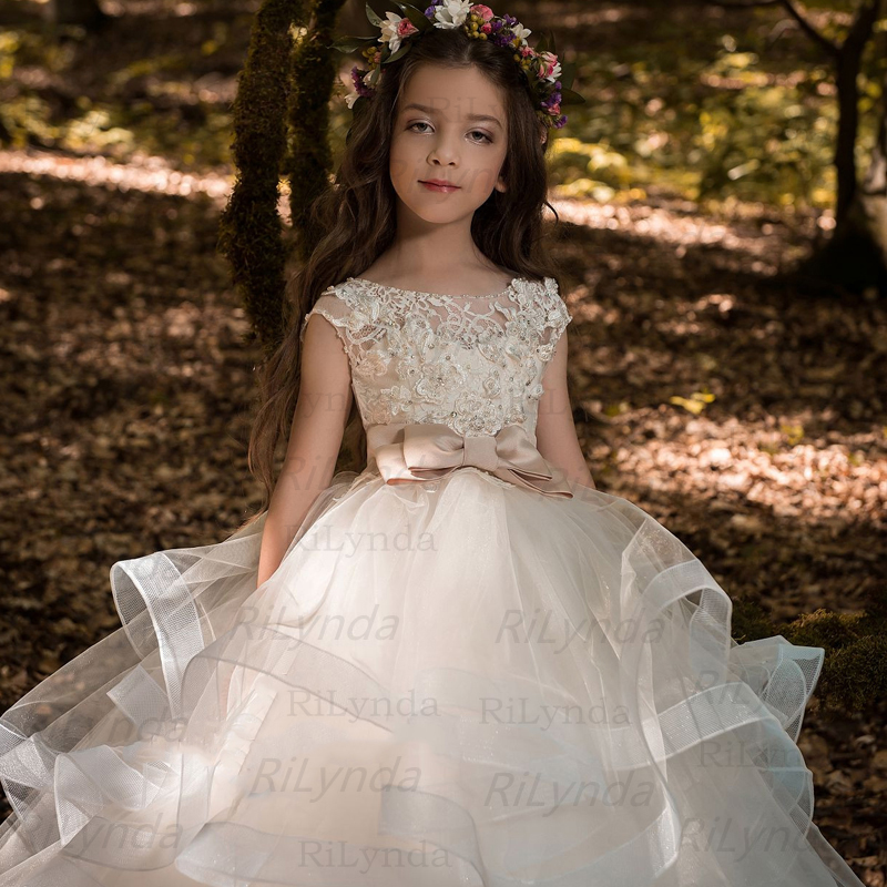 Flower Girl Dresses Elegant Champagne Lace Appliqué Sleeveless Cascading Kids Pageant Gowns For Weddings First Communion Dresses