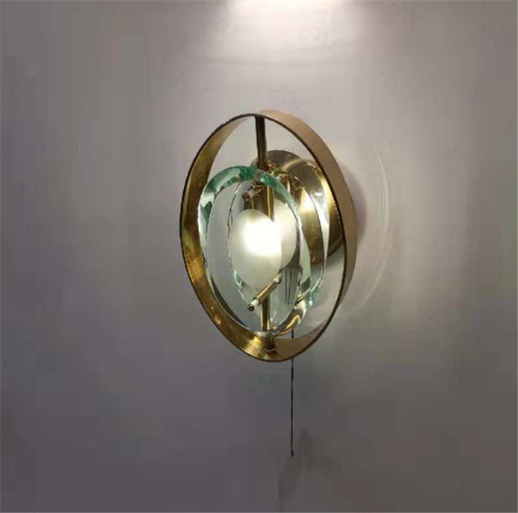 Modern decorative Clear Glass Ball Gold Metal Wall lamp For Coffee Shop