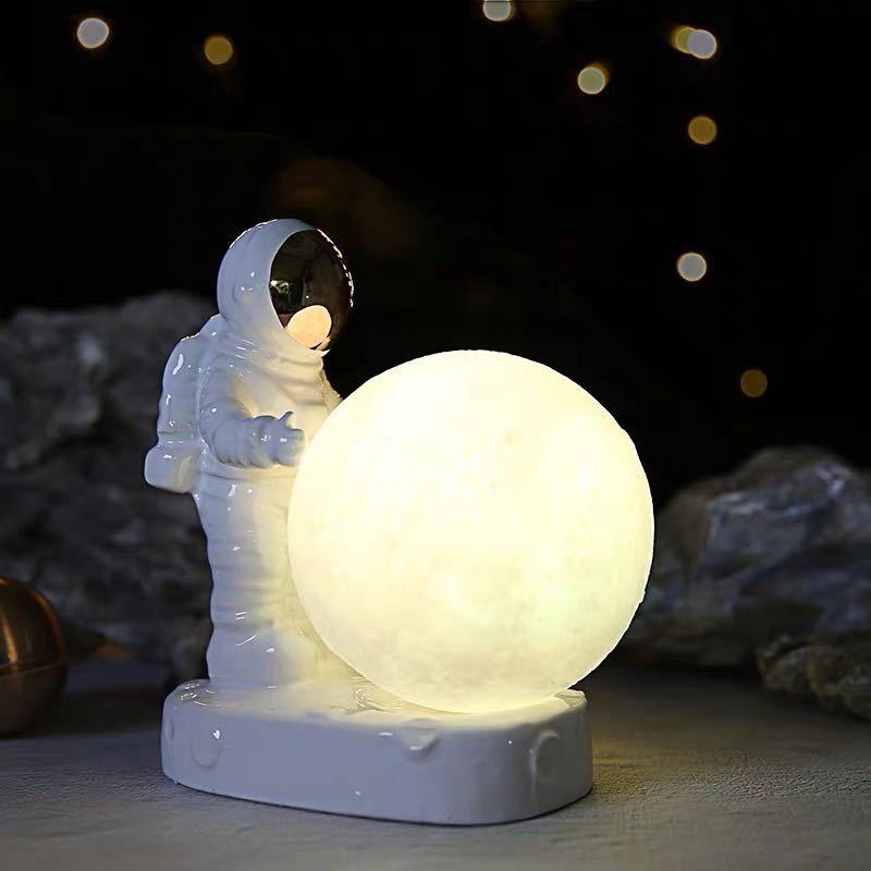 2020 New 3D Print Moon Lamp Colorful Change Astronaut LED Night Light Touch Switch Home Decorative Table Lamp 3D Gift Light