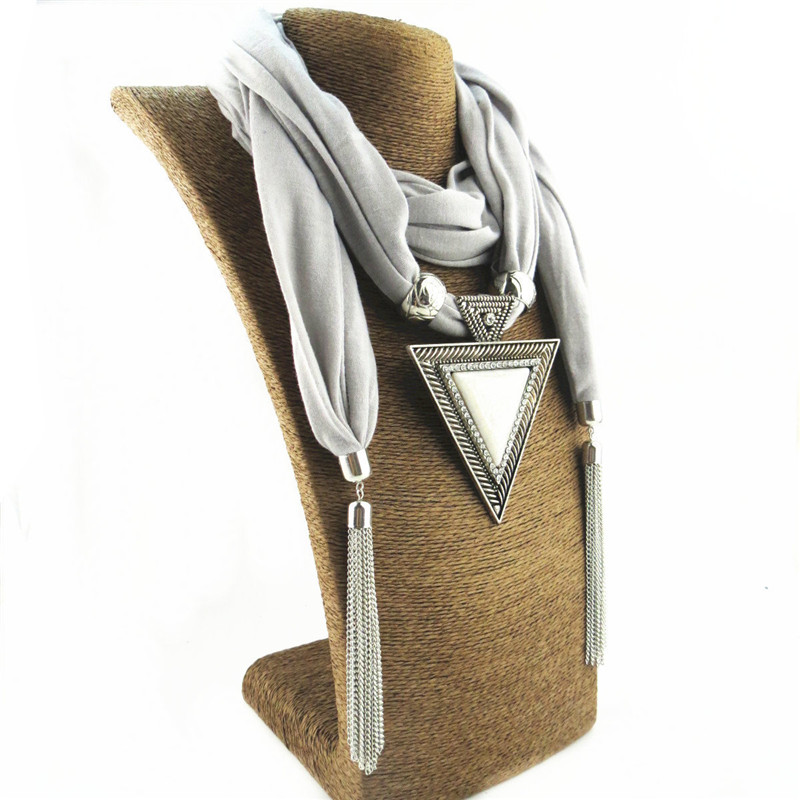 acheter Collier foulard avec bijoux des franges métaliques | OkO-OkO