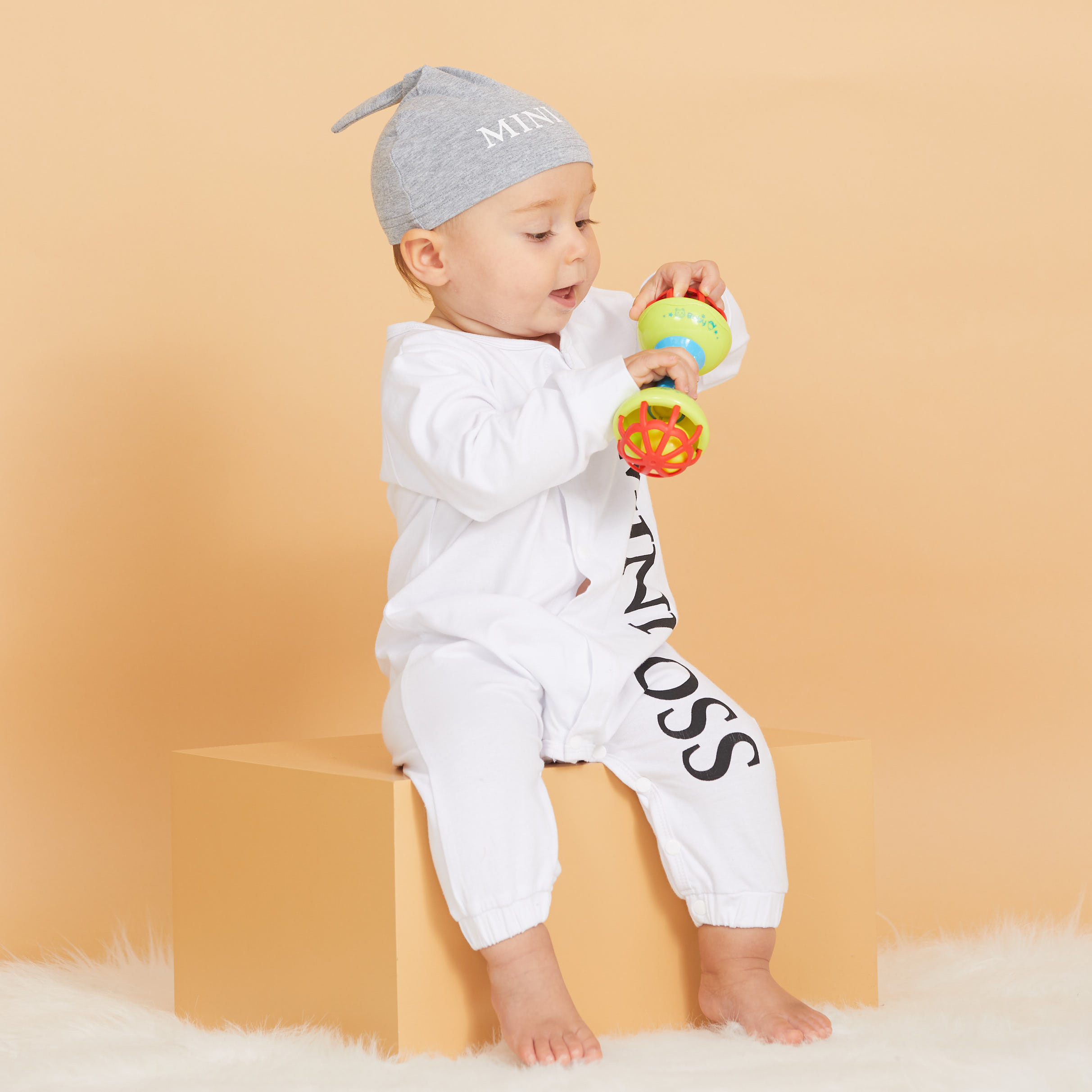 PatPat 2020 Hot Sale Autumn Winter Baby Boy MINI BOSS Baby Rompers with Hat Baby Girl Boy One Pieces Jumpsuits Baby Clothing