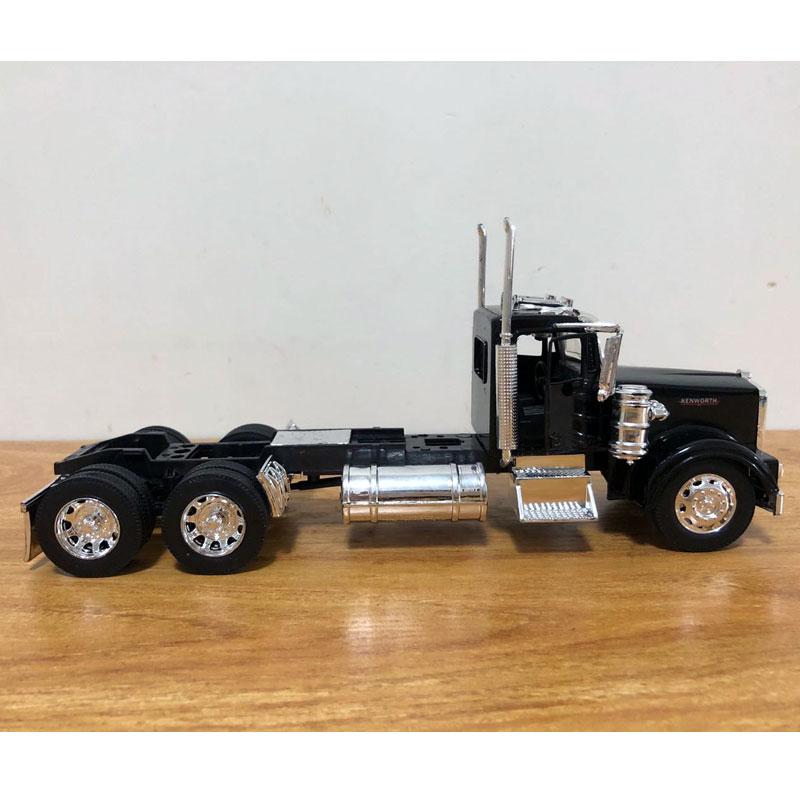 Peterbilt Truck (9)