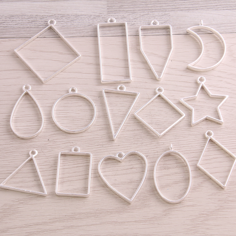 20pcs Closed Alloy Triangle Hollow Charms Connector Handmade Crafts Sliver