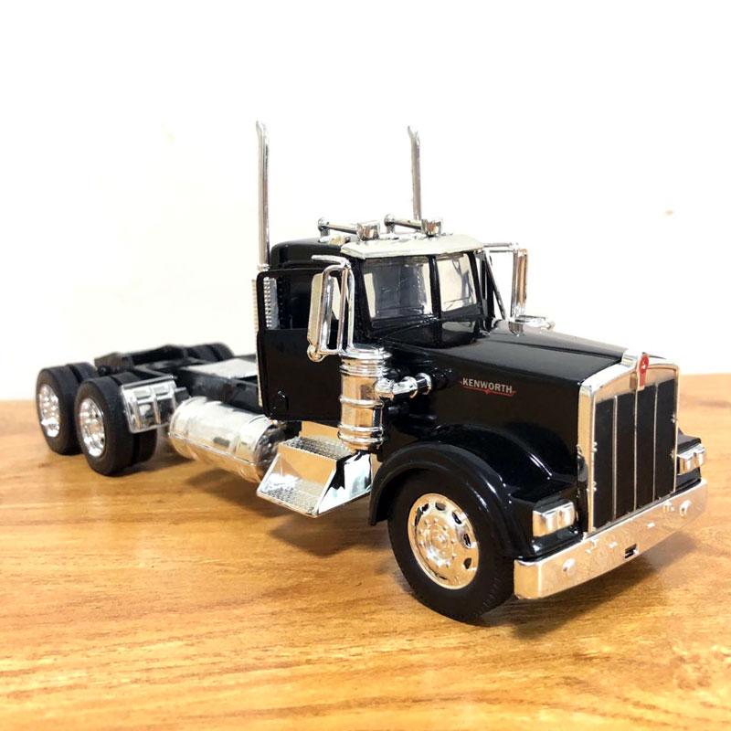 Peterbilt Truck (10)
