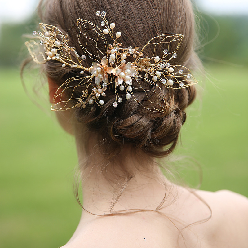 Hollow Gold Leaves Wedding Bridal Hair Accessories Vintage Hair Comb Headband Women Hair Ornaments Pearl Headpiece Crystal Tiara