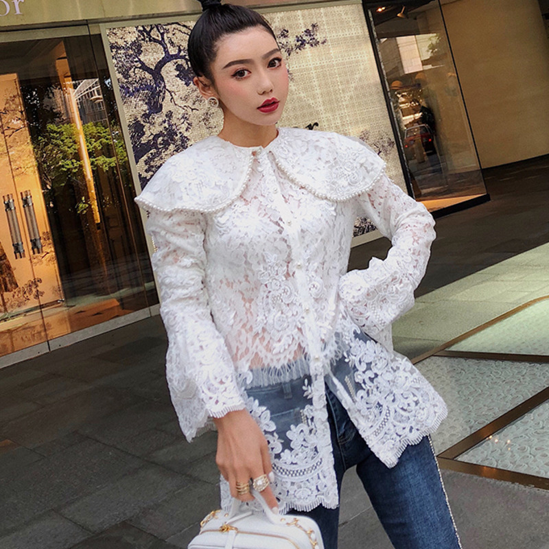 DEAT 2019 Eorupe styles spring women shirt palace styles peter collar lace flare sleeves sexy shirt female street blouse WE11500
