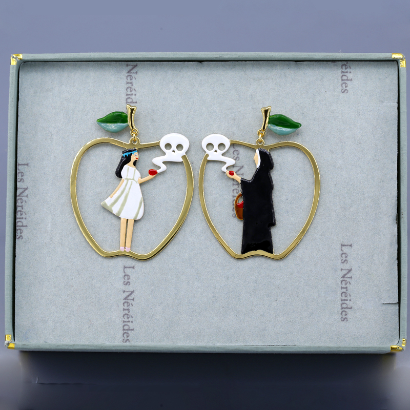 Snow White N2 Enamel Glaze Witch Apple White Skirt Girl Earrings Ear Ear Nail