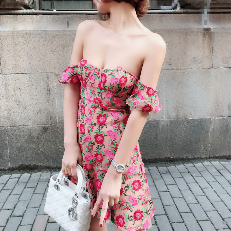 Beautiful super 3d flower embroidery strapless mini dress on vacation with lantern sleeve