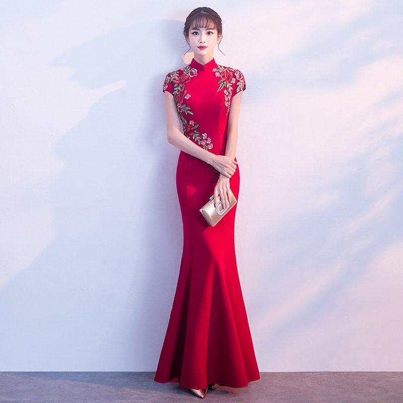 2018 Fashion Bride Mermaid Tail Chinese Evening Dress Red Embroidery Wedding Qipao Traditional Cheongsam Retro Long Qi Pao