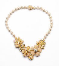 Factory Wholesale Party Display Stand All-matchNoble Pearl Chain Flower Pendant Necklace(China)