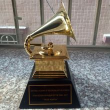 Metal Trophy Gramophone Award Souvenirs Statue Music 1:1-Scale-Size NARAS