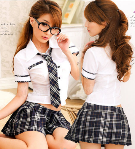 Young schoolgirls in plaid skirts lick pussy and kiss during threesome sex № 1610557 бесплатно