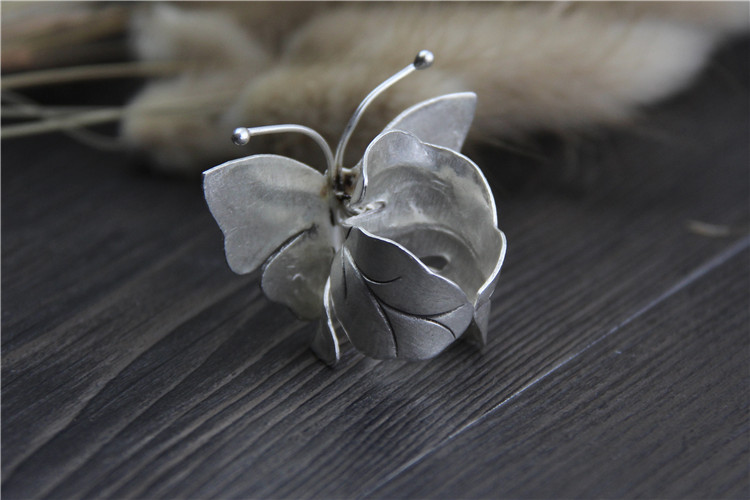 Leaves Crafting in 999 Sterling Silver Large Butterfly Ring