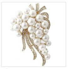 2 Inch Ivory Simulated Pearl and Clear Rhinestone Crystal Large Pin Brooch for Wedding Invitation