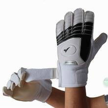 Free shipping Child soccer goalkeeper gloves professional Slip-resistant breathable latex teenage gloves for kids(China)