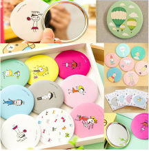 Bittb 1Pcs Small Cute Cartoon Pocket Mirror Hand Makeup Compact Mirrors Portable Mini Cosmetics Mini Beauty Make Up Tools