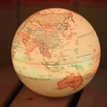 Vintage Plastic English Version LED Rotating World Globe with Light By Battery Home Decoration Furnishing Articles Children Gift