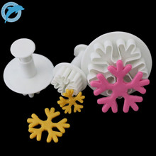 LINSBAYWU 3x Snowflake Fondant Cake Mold Cookie Paste Plunger Cutter Decorating Mould Xmas(China)