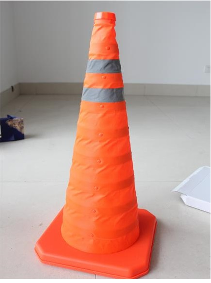 70cm Height Folding Reflective Safety Cones Warning Reflective Plastic Road Cone<br>