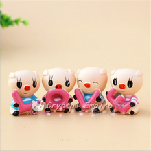 "4PCS Auto Supplier ""LOVE"" Lovely Pig Car Decoration Auto Ornament Resin Couple Doll Car Interior Accessories For New Year Gifts(China)"