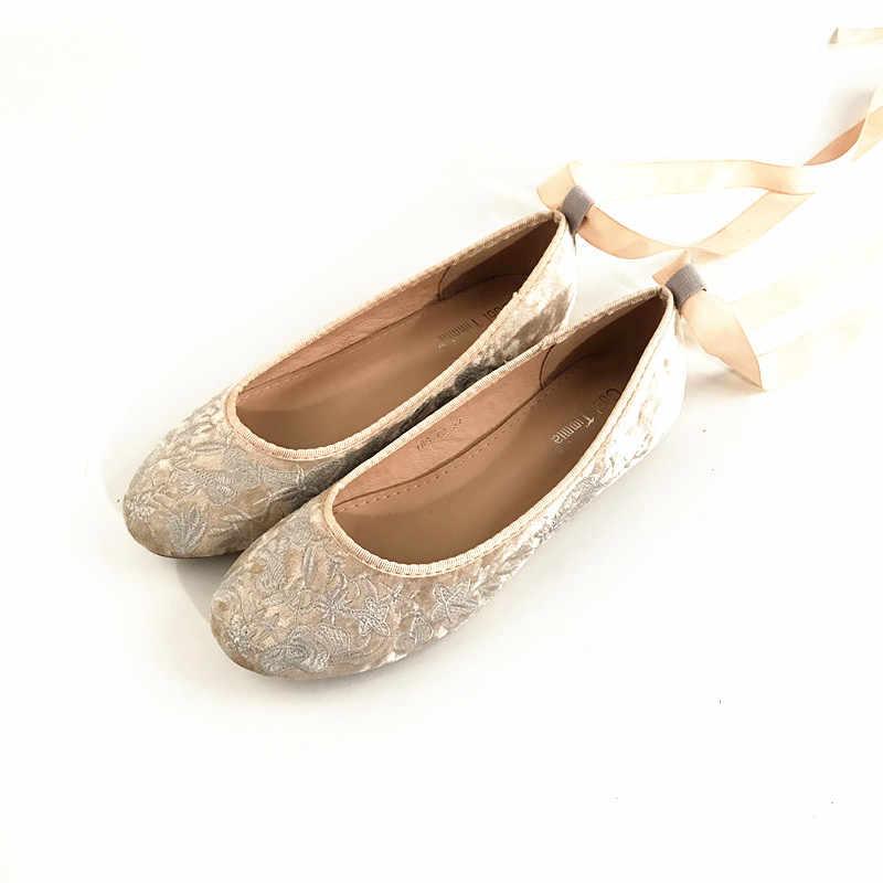 SWYIVY Woman Ballet Flats Gold Velvet Flock Autumn 2018 Female Casual Shoes  Vintage Embriodery Flats Shoes 30021d52aa61