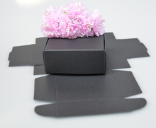 Qi Size:7.5*7.5*3cm Natural Black Paper Gift Box For Wedding/Birthday/Christmas jewelry,Nice hollow Craft/Cosmetic Box 50pcs/lot