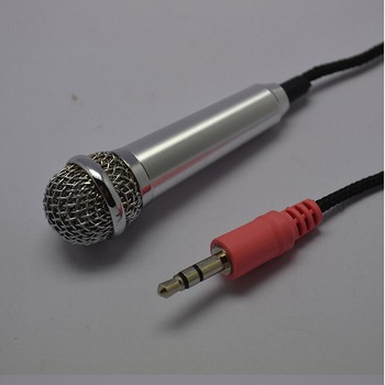 High Quality 3.5mm Plug and Play Mini Wired Microphones Mobile phone PC Microphone Small mic for Karaoke PC Mobile phone O3