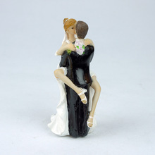 Bear Hug Marriage Polyresin Figurine Wedding Cake Toppers Resin Decor Lover Gift