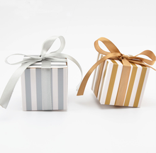 100pcs Korean Style Striped Gold / Silver Wedding Favors Candy Boxes Bomboniera Gifts Chocolate Box Paper Box Giveaways Box(China)