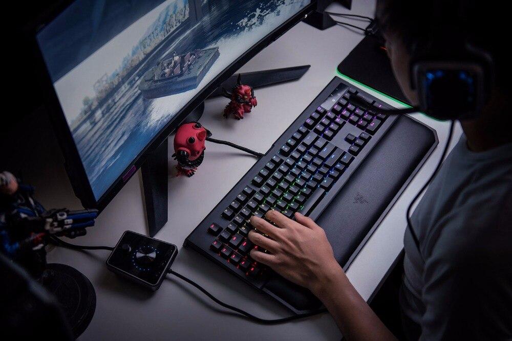 Razer-BlackWidow-Chroma-V2-Mechanical-Gaming-Keyboard