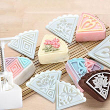 1 Set/5pcs Moon Cake Mold Press Pattern Cake Biscuit Dessert Mold Baking Tool