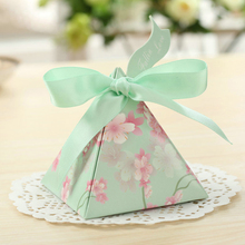 Free shipping 50pcs Creative Candy Box Baby Shower Favors Triangular Pyramid Wedding Favors Gifts Box Bomboniera Party Supplies
