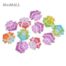 Hoomall  30PCs Star Pattern Gift Box Shape 2 Holes Decorative Buttons Wood Buttons Crafts Scrapbooking DIY Multicolor 3x2.9cm