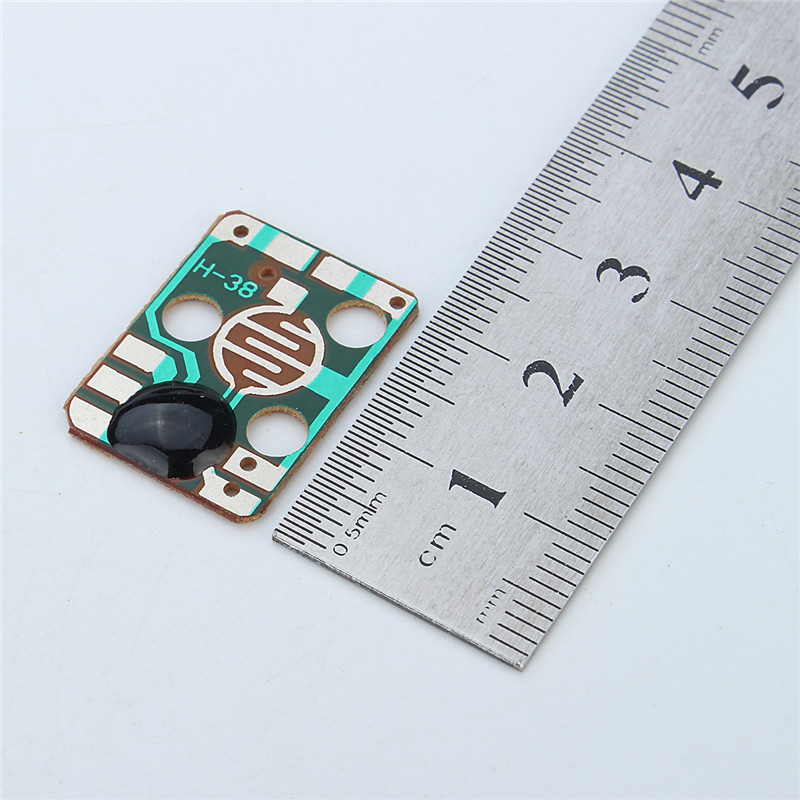 Hot Sale 5PCS a Set Sound Module Trigger Dog Animals Barking Music Chip 3V Yelp Voice Module for DIY/Toy(China (Mainland))
