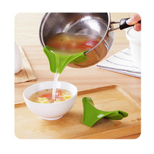 1Pc New Silicone Soup Liquid Funnel Kitchen Gadget Water Deflector Cooking Tool(China)